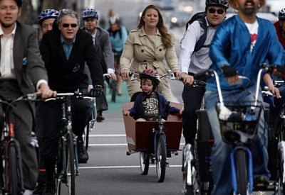 BikeToWorkMomKidBucket