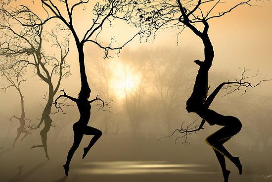 DancingTreePeopleMist